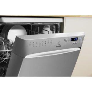 מדיח כלים רחב אינדסיט DFP-58B1NX Indesit